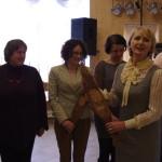 Prezes LGD-9 Pani Barbara Dawcewicz wręcza Statuetki - Ryby Przedstawicielom z Warmii-i-Mazur