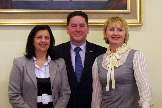 Prezesi grup LGD od lewej Beata Trojanek - wiceprezes LGD RW, Jarosław Supera - prezes SKPR i Barbara Dawcewicz